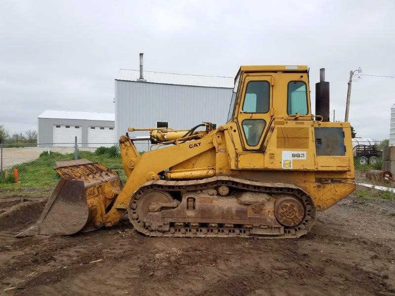 Detail photo of 1985 Caterpillar 963 from Construction Equipment Guide