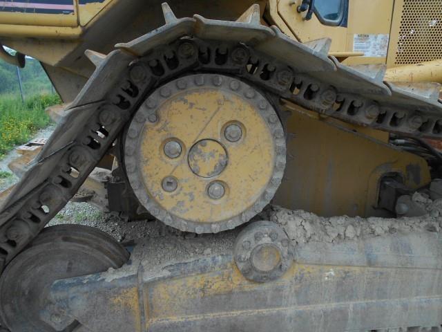 Detail photo of 2001 Caterpillar D6M LGP from Construction Equipment Guide