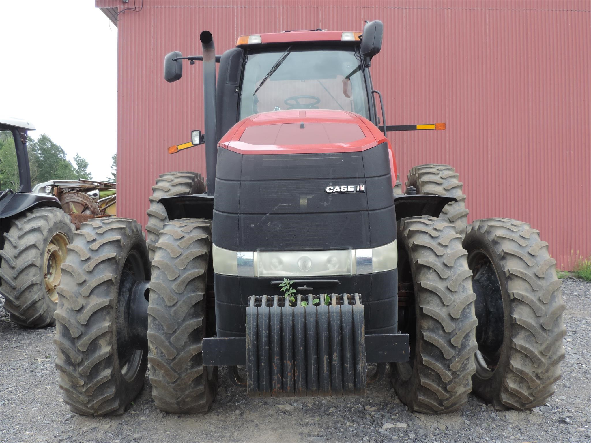 Detail photo of 2011 Case IH MAGNUM 290 from Construction Equipment Guide