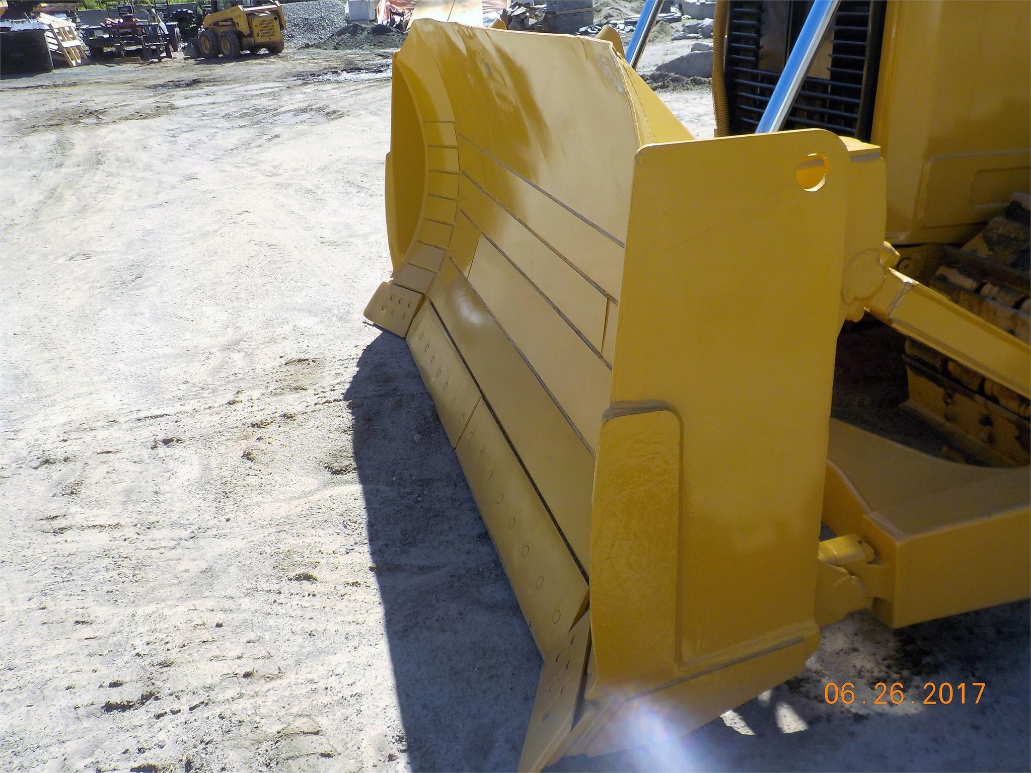 Detail photo of 2012 Caterpillar D6T XL from Construction Equipment Guide