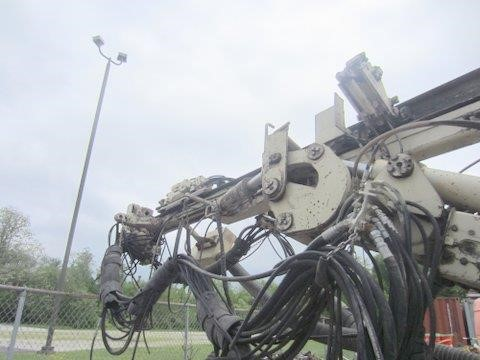 Detail photo of 1999 Ingersoll Rand ECM590 from Construction Equipment Guide
