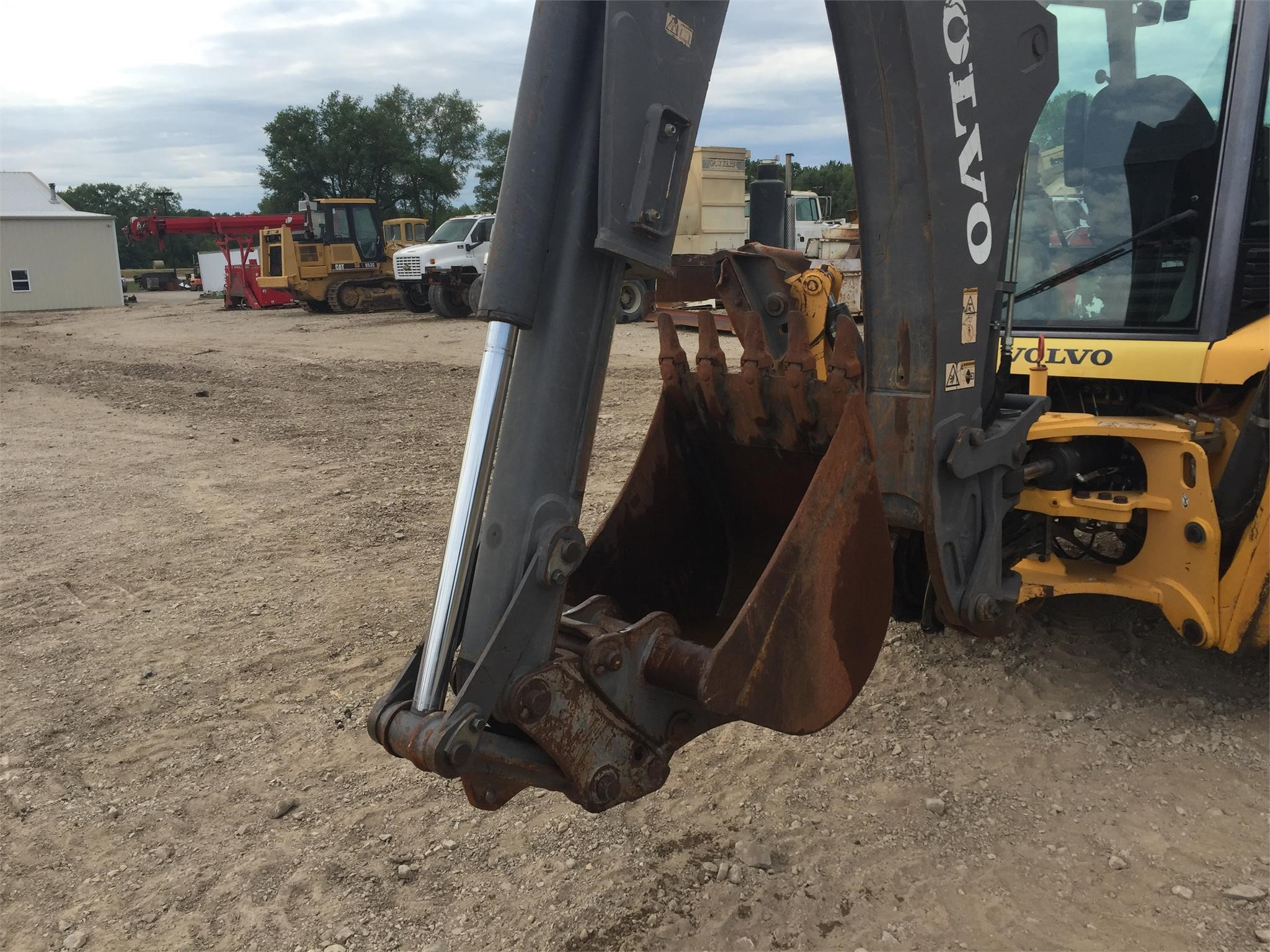 Detail photo of 2007 Volvo BL70 from Construction Equipment Guide