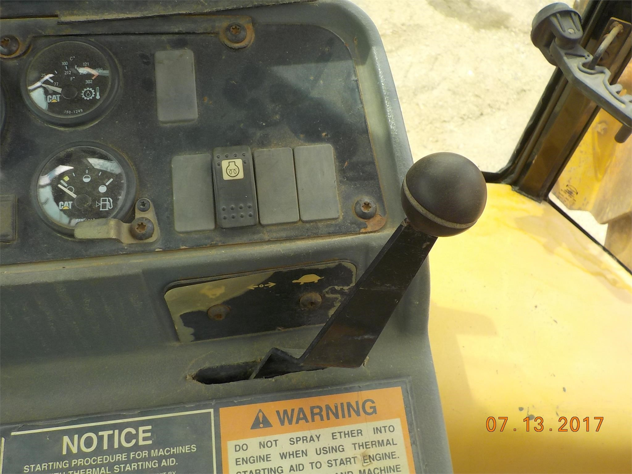 Detail photo of 1992 Caterpillar 436C from Construction Equipment Guide