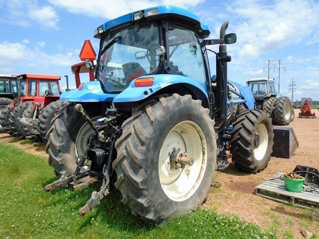Detail photo of 2004 New Holland TS125A from Construction Equipment Guide