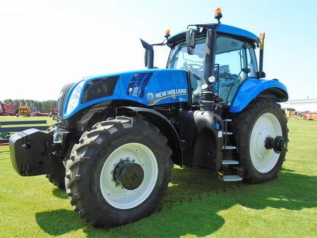 Detail photo of  New Holland T8.410 from Construction Equipment Guide