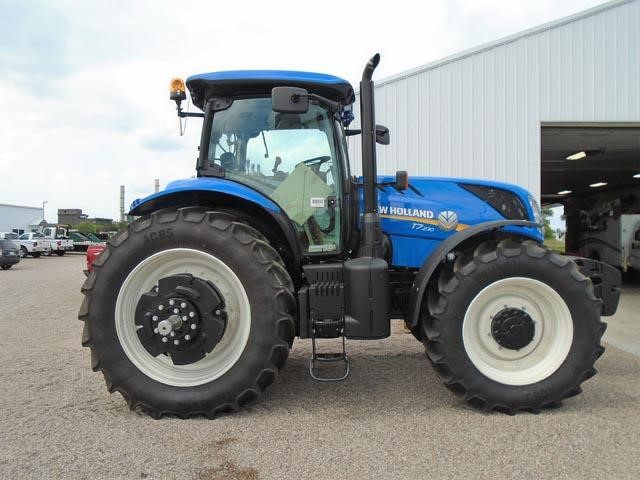 Detail photo of 2017 New Holland T7.230 from Construction Equipment Guide