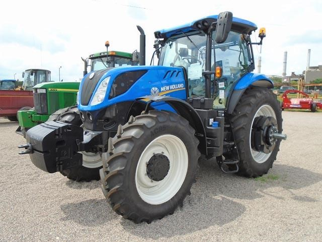 Detail photo of 2017 New Holland T7.260 from Construction Equipment Guide
