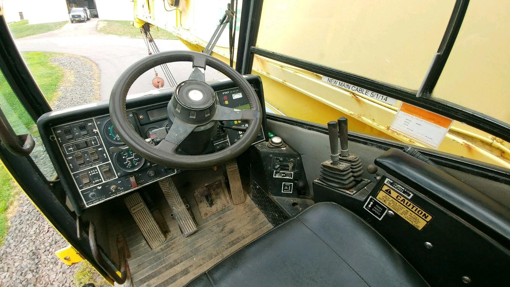 Detail photo of 1992 Grove RT635C from Construction Equipment Guide