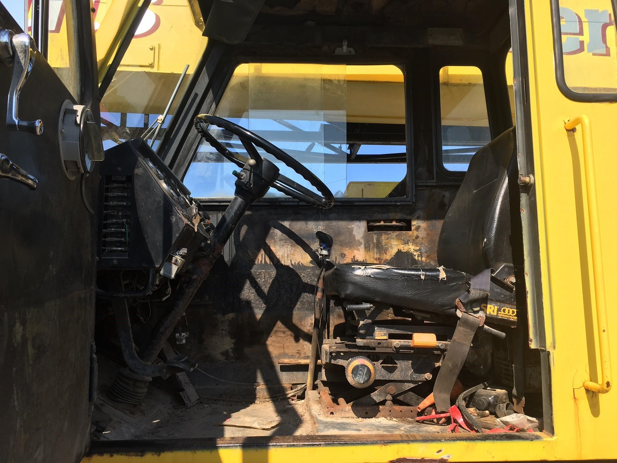 Detail photo of 1989 Lorain MC 350D from Construction Equipment Guide