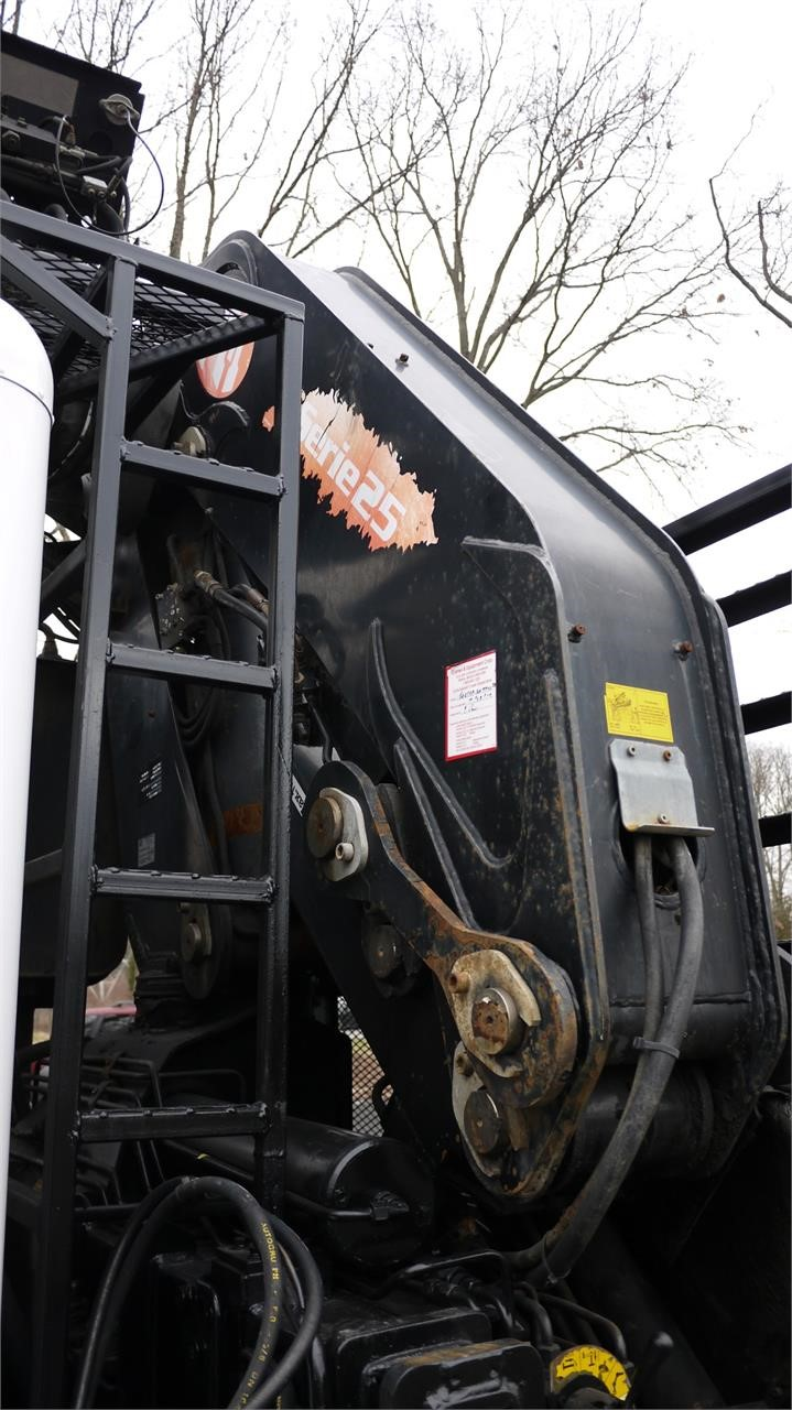 Detail photo of 2003 PM 25027 from Construction Equipment Guide