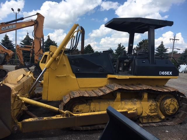 Detail photo of 2003 Komatsu D65EX from Construction Equipment Guide