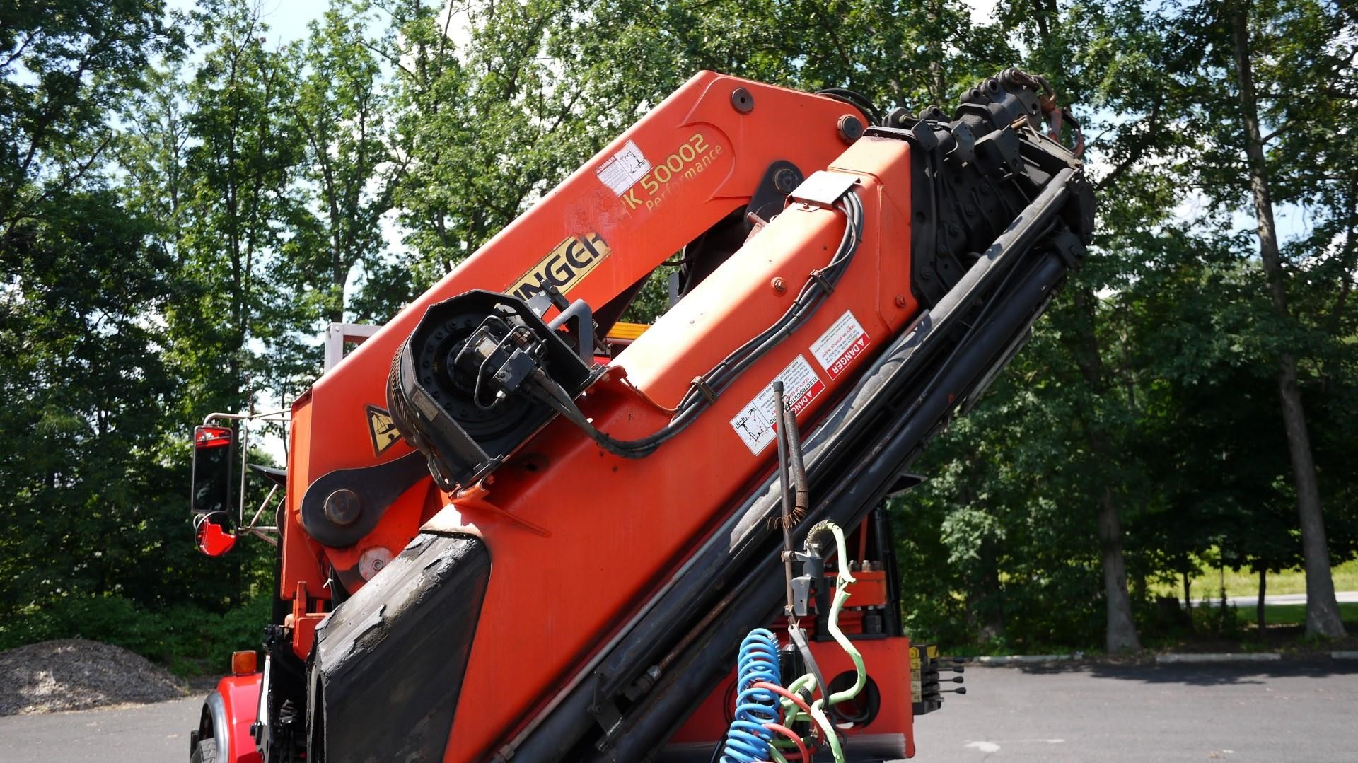 Detail photo of 2003 Kenworth T800 from Construction Equipment Guide