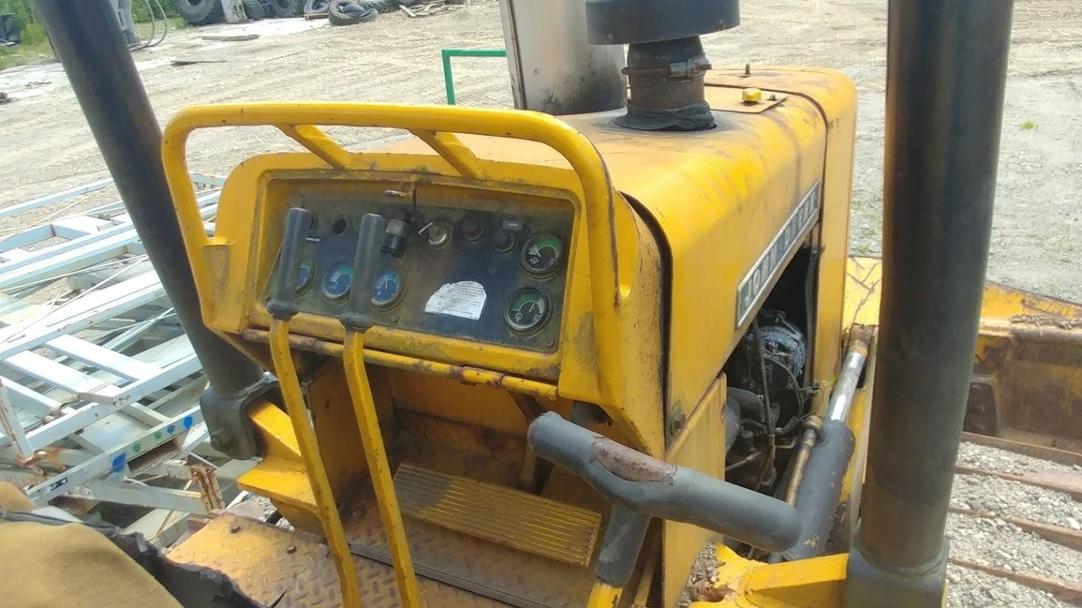 Detail photo of  John Deere 550C from Construction Equipment Guide