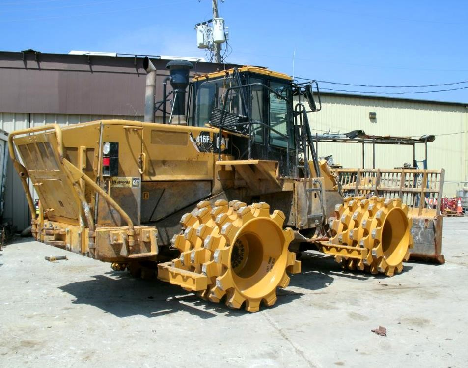 Detail photo of 2009 Caterpillar 816F II from Construction Equipment Guide