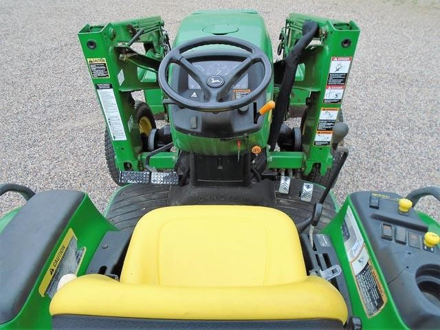 Detail photo of 2002 John Deere 4410 from Construction Equipment Guide