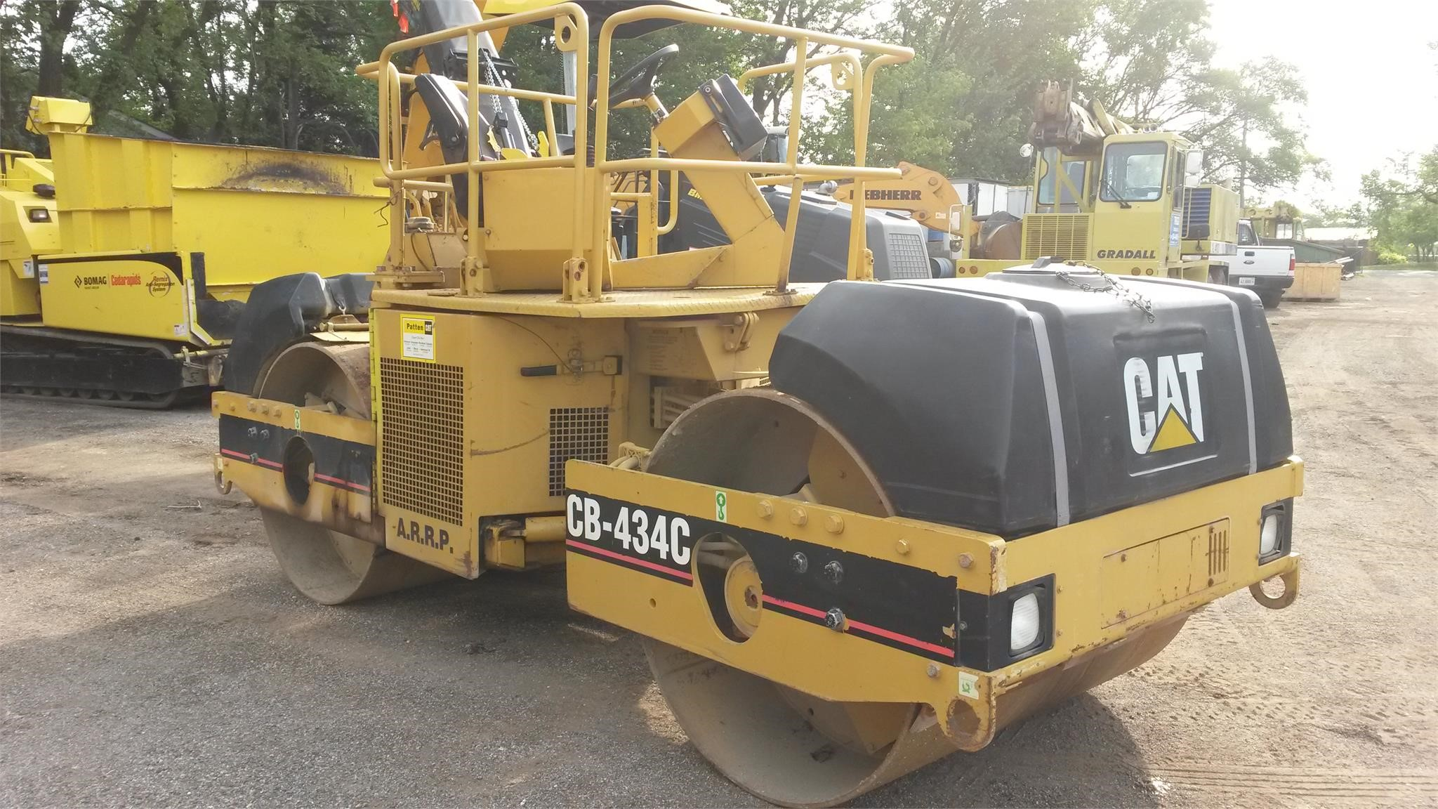 Detail photo of 2001 Caterpillar CB-434C from Construction Equipment Guide
