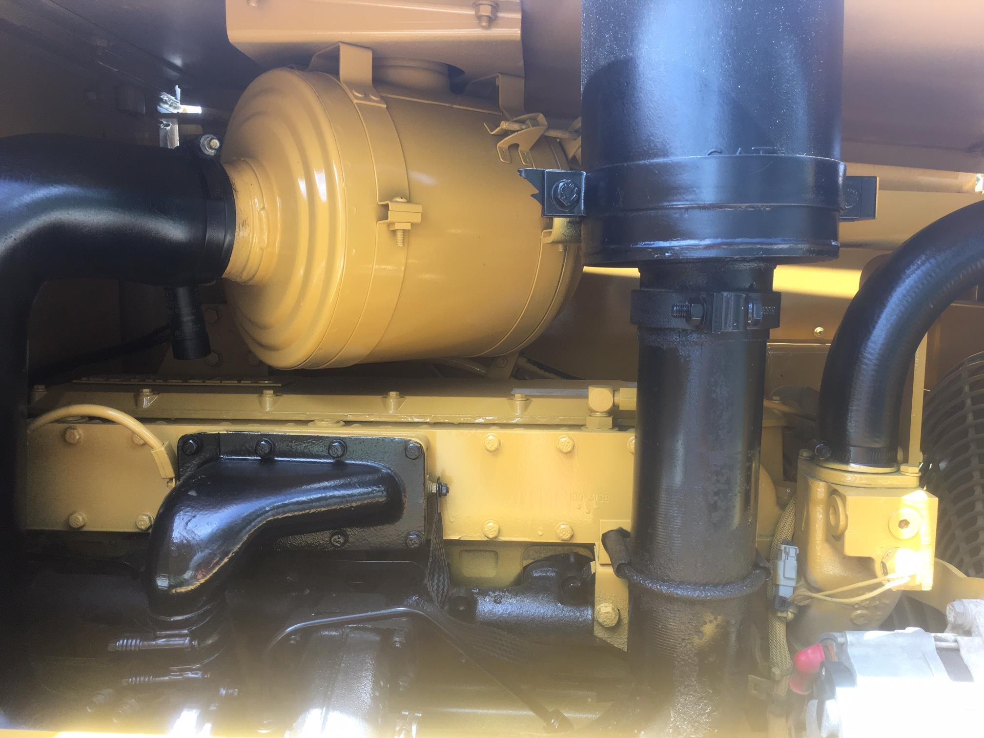 Detail photo of 1998 Caterpillar CP-563C from Construction Equipment Guide