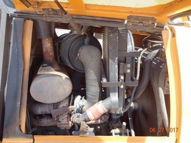 Detail photo of 2004 Case 1850K XLT from Construction Equipment Guide