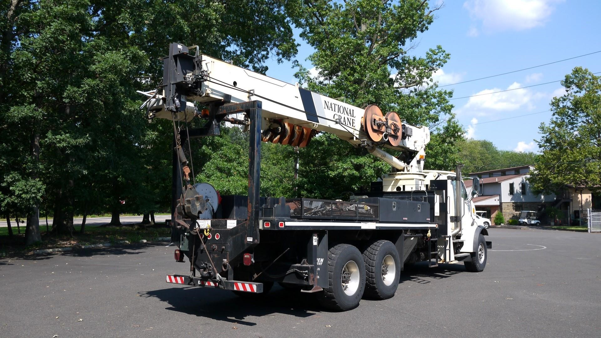 Detail photo of 2007 Sterling LT9500 from Construction Equipment Guide