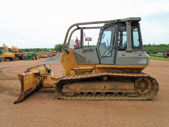 Detail photo of  Komatsu D41P from Construction Equipment Guide