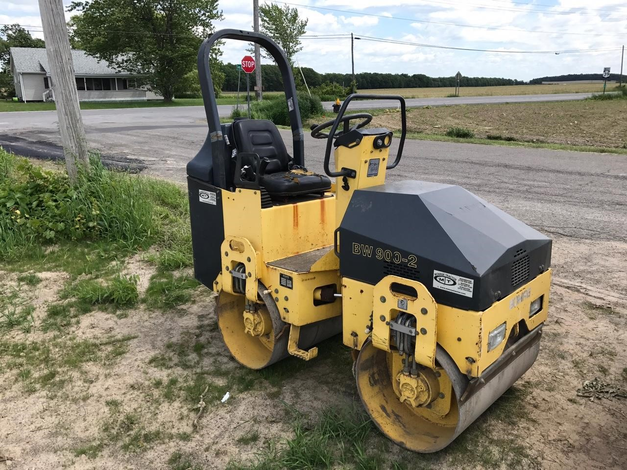 Detail photo of 2003 Bomag BW 900-2 from Construction Equipment Guide