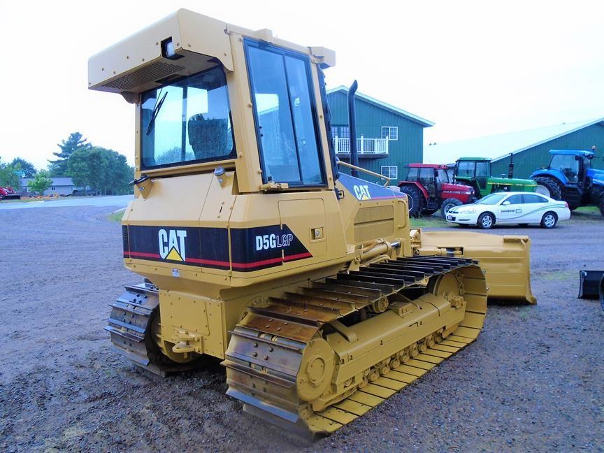 Detail photo of 2001 Caterpillar D5G LGP from Construction Equipment Guide