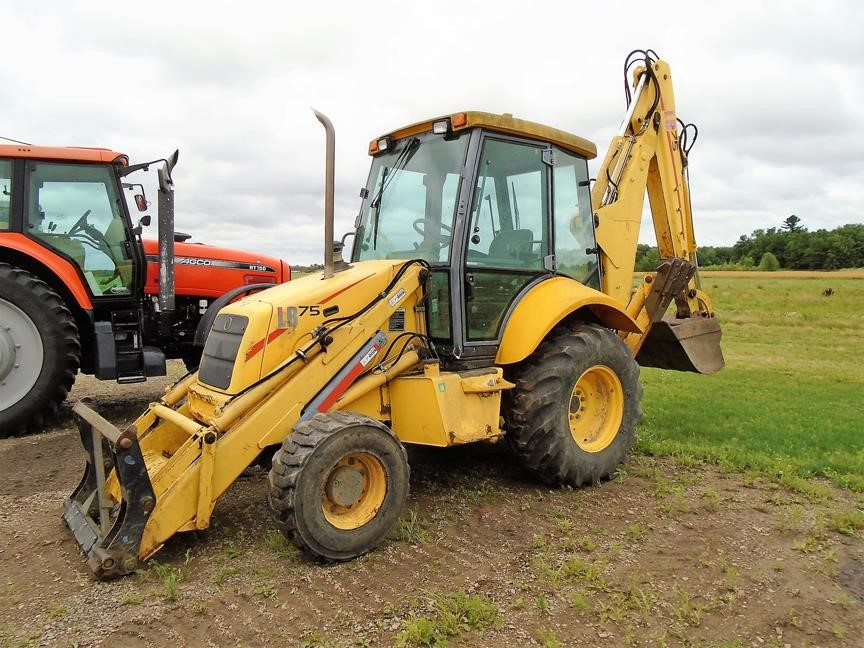 Detail photo of 2002 New Holland LB75 from Construction Equipment Guide