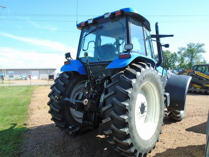 Detail photo of 2006 New Holland TM140 from Construction Equipment Guide