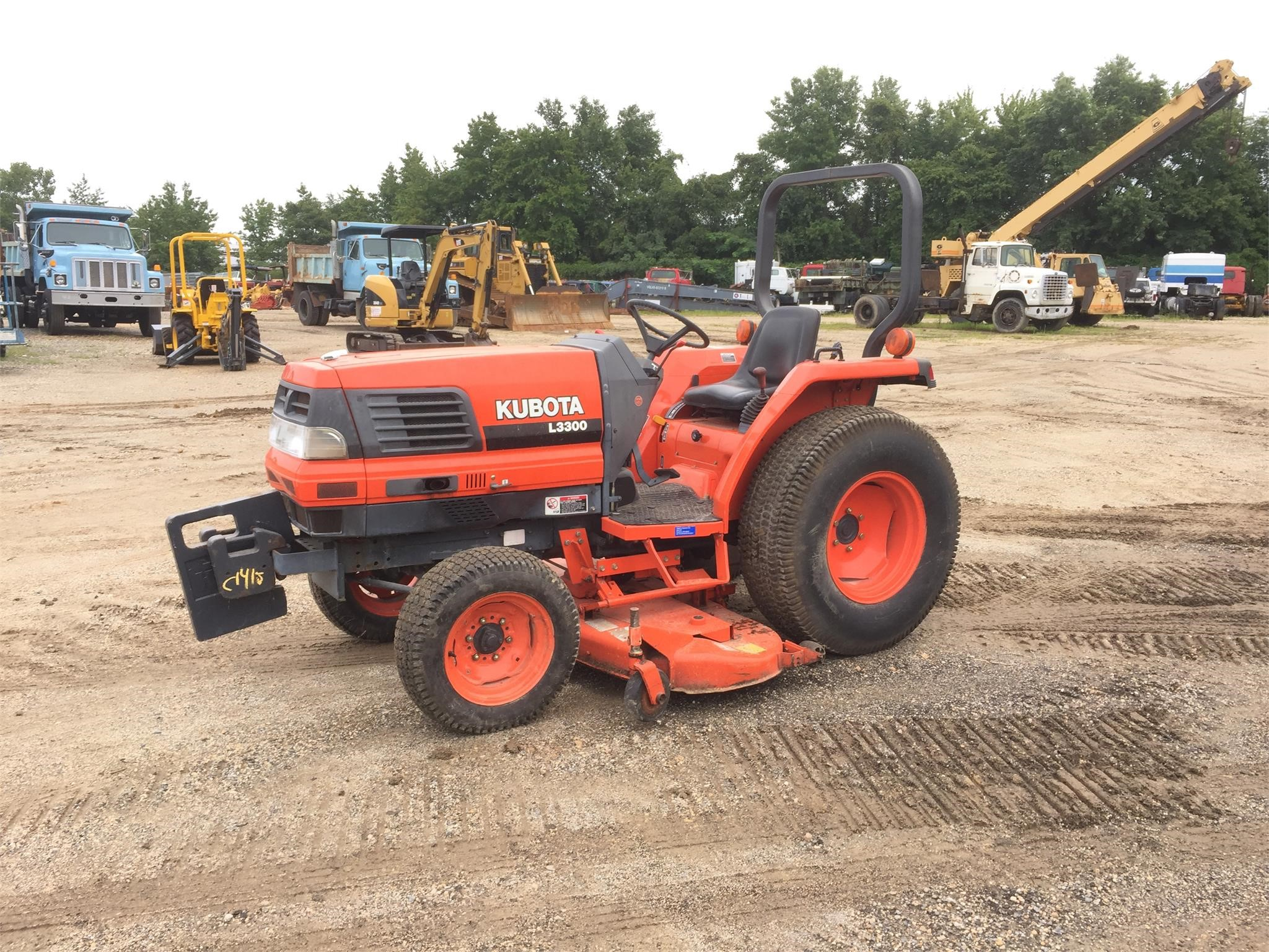 Detail photo of 2000 Kubota L3300 from Construction Equipment Guide