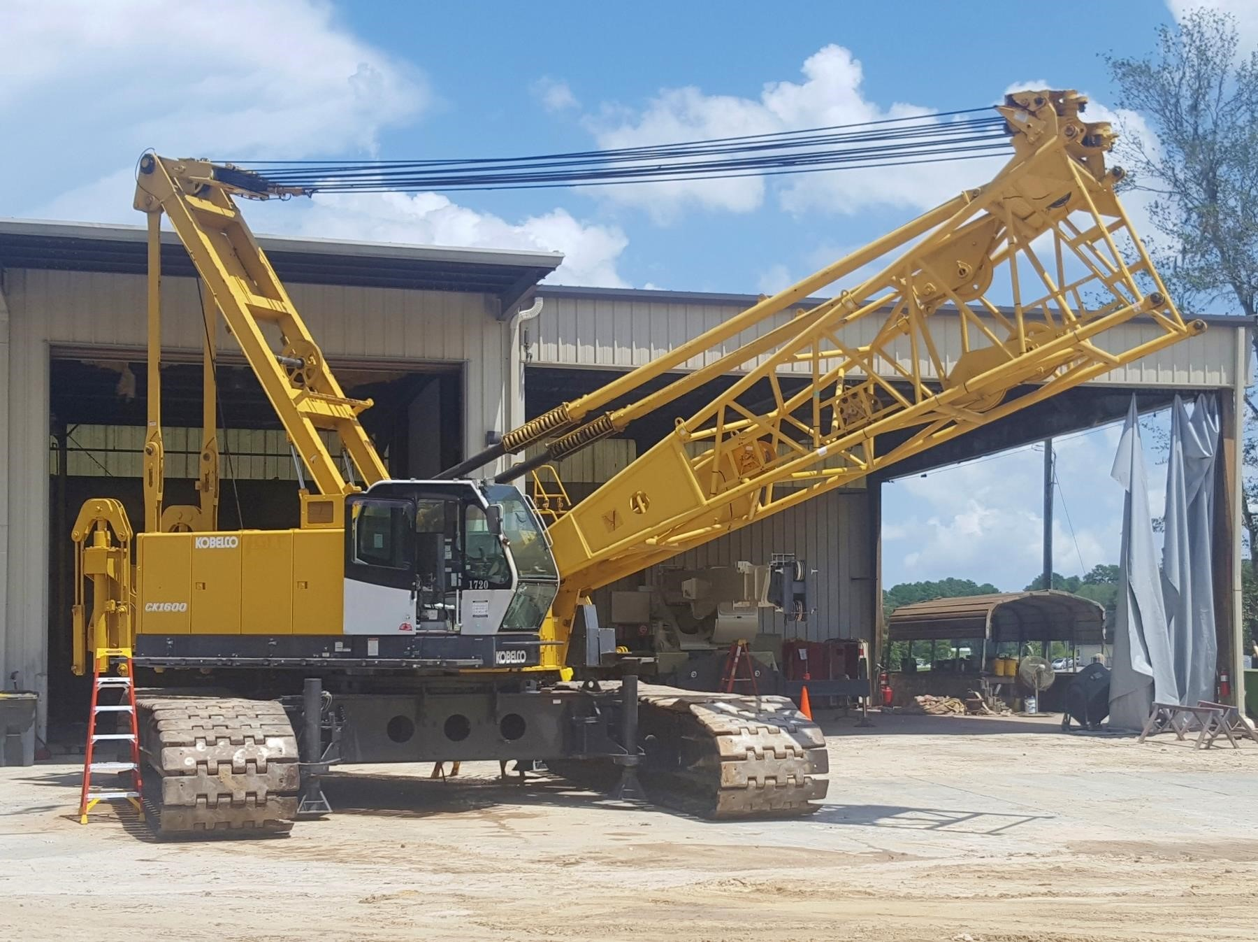 Detail photo of 2009 Kobelco CK1600 II from Construction Equipment Guide