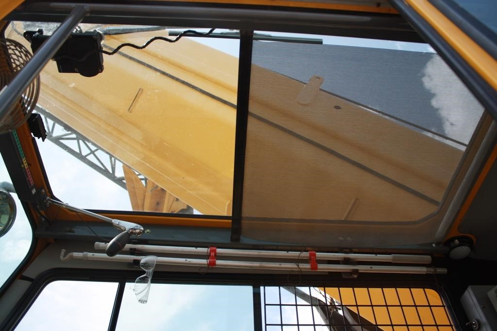 Detail photo of 2007 Grove RT890E from Construction Equipment Guide
