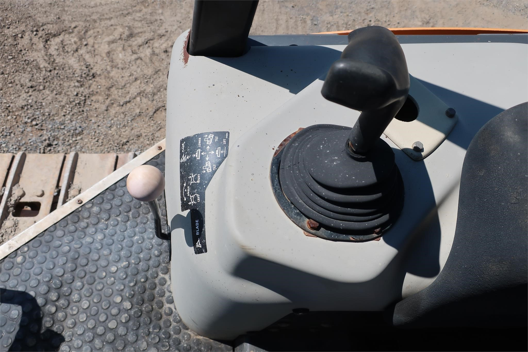 Detail photo of 2005 Case 650K LT from Construction Equipment Guide
