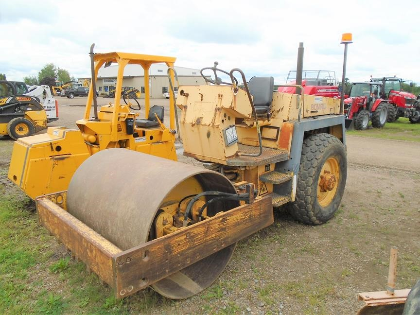 Detail photo of 1993 Bomag BW142D-2 from Construction Equipment Guide