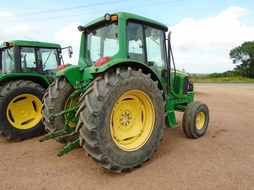 Detail photo of 2007 John Deere 6320 from Construction Equipment Guide