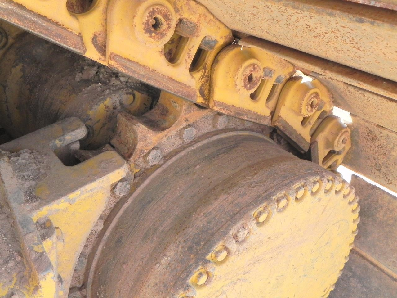 Detail photo of 2010 John Deere 850J LGP from Construction Equipment Guide