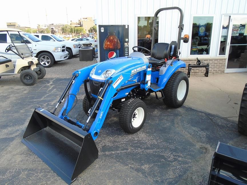 Detail photo of 2017 New Holland BOOMER 24 from Construction Equipment Guide