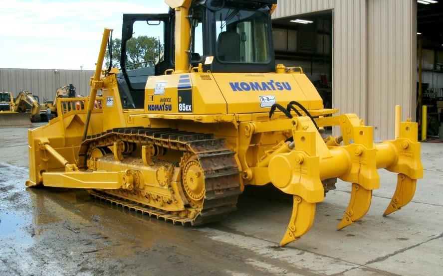 Detail photo of 2007 Komatsu D85EX-15E0 from Construction Equipment Guide