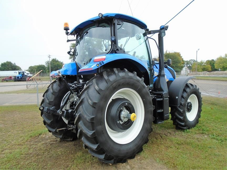Detail photo of 2017 New Holland T6.165 from Construction Equipment Guide