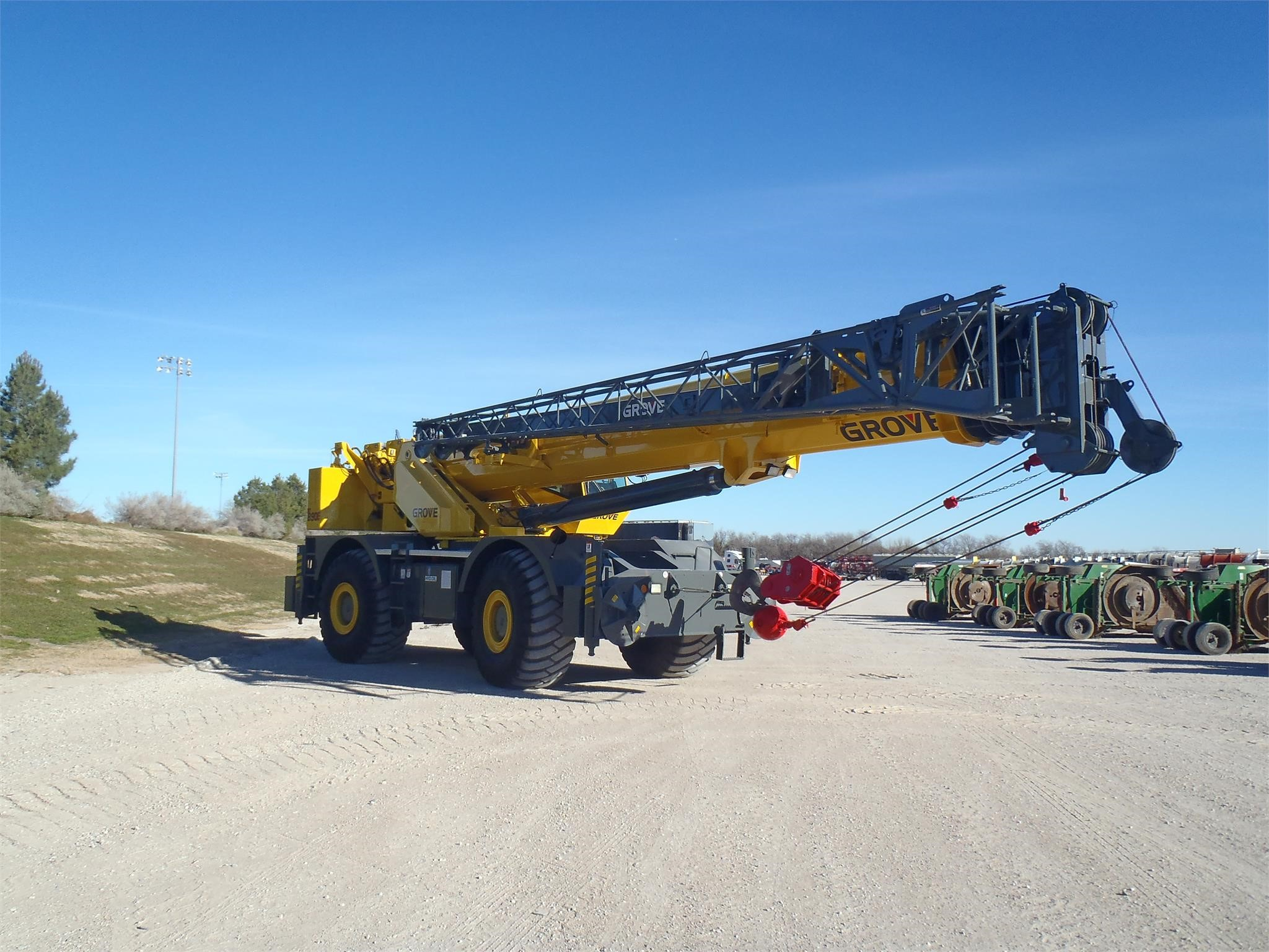 Detail photo of 2004 Grove RT890E from Construction Equipment Guide