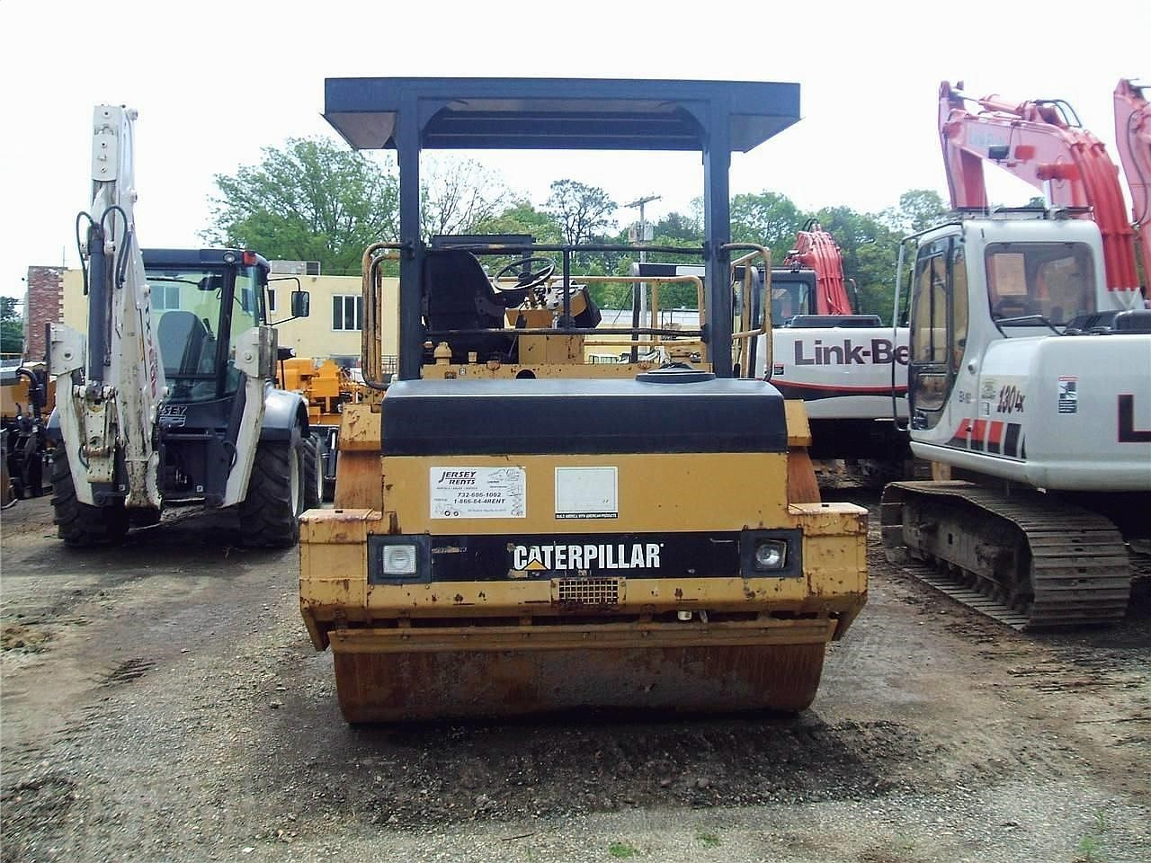 Detail photo of 1998 Caterpillar CB-634 from Construction Equipment Guide