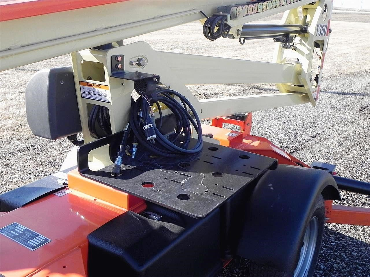 Detail photo of 2009 JLG T350 from Construction Equipment Guide