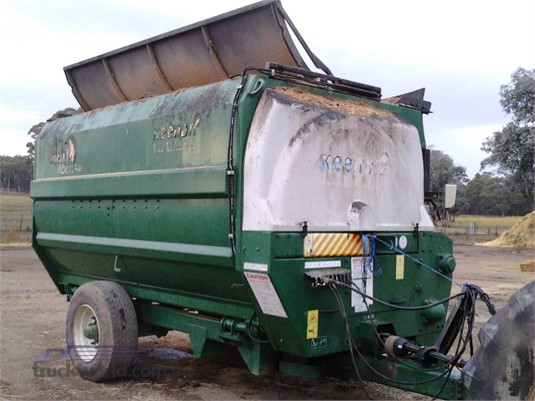 Keenan MECH-FIBER 340 Feed/Mixer Wagon