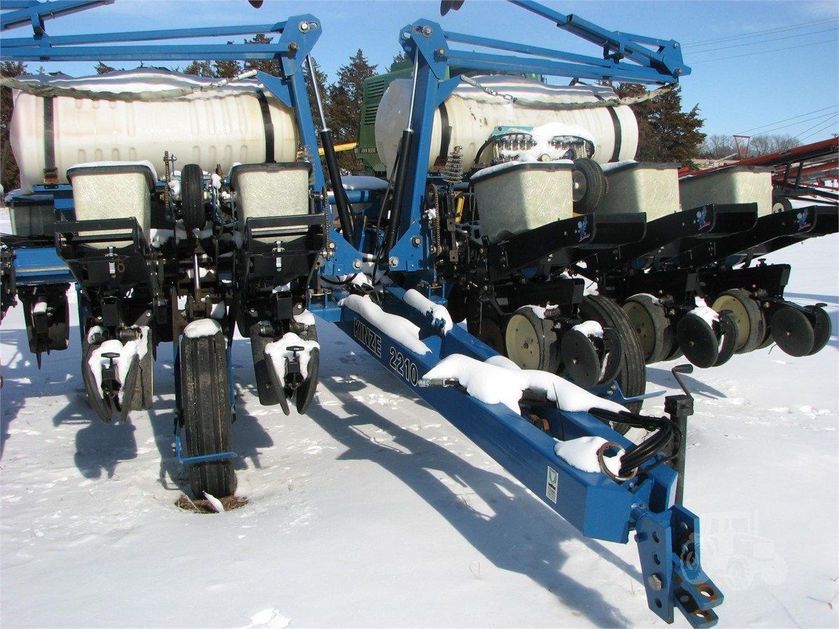 KINZE 2210 For Sale In Norfolk, Nebraska | www