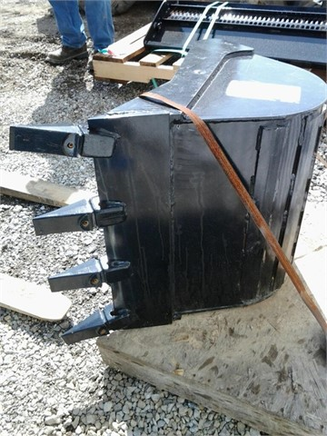 2013 NEW HOLLAND 84150231 Bucket, Other For Sale In Richmond, Indiana