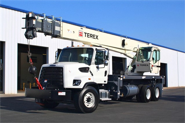 2013 FREIGHTLINER 108SD For Sale In Fontana, California
