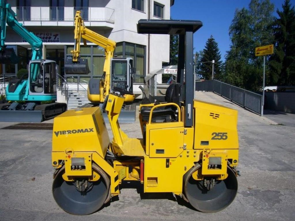 VIBROMAX W255 Usato 2005