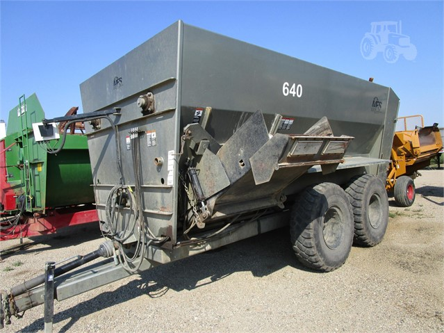 MEYERINK FARM SERVICE 640 For Sale In Huron, South Dakota