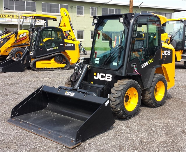 2015 JCB 205 For Sale In Milwaukee, Wisconsin