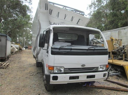 2000 Nissan Diesel MK180 - Trucks for Sale