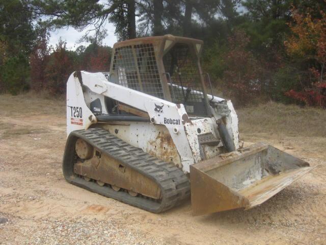 BOBCAT T250 Nokta Dönüşlü Yükleyiciler - Track For Auction